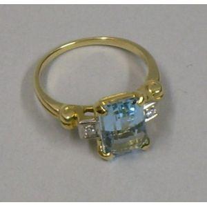 14kt Gold, Diamond, and Aquamarine Ring