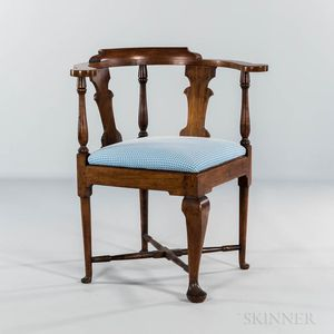 Queen Anne Walnut Corner Chair
