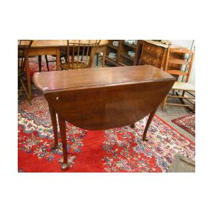 Queen Anne Mahogany Drop-leaf Table.