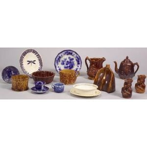 Sixteen Assorted Pottery Items