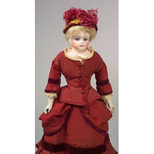 Closed Mouth Bisque Shoulder Head Doll