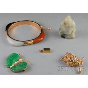 Small Group of Gold and Hardstone Jewelry