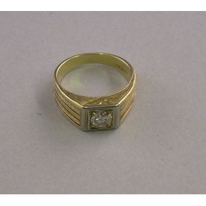Art Deco Mans 14kt Gold and Diamond Ring.