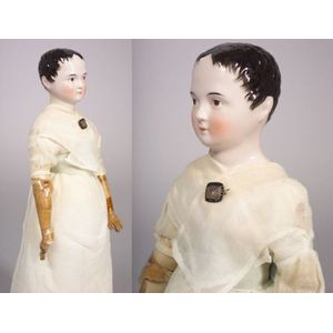 Early Pink Tint China Shoulder Head Doll with Wind-blown Hair