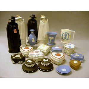 Twenty-five Modern Wedgwood Items