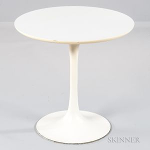 Eero Saarinen-style Tulip Table