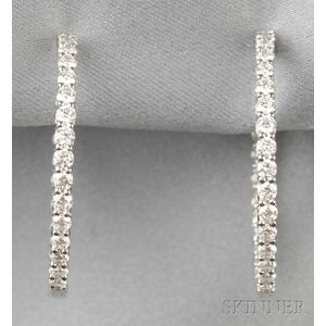 18kt White Gold and Diamond Earpendants