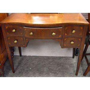 Federal-style Inlaid Mahogany and Mahogany Veneer Dressing Table.