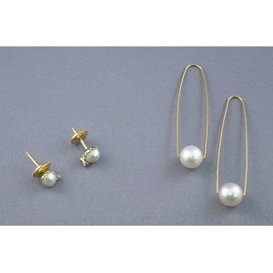 Pair of 18kt Gold and Pearl Earstuds and a Pair of Gold and Pearl Earrings
