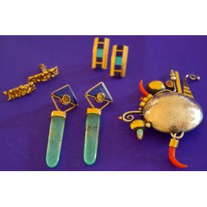 Group of Antique and Later Jewelry Items