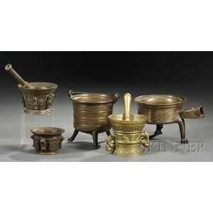 Fifteen Assorted Bronze Vessels