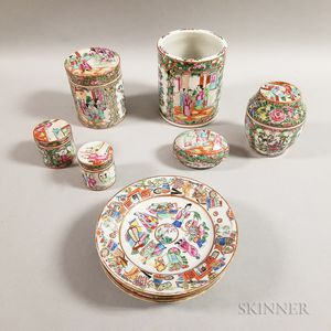 Twelve Rose Medallion Export Porcelain Table Items