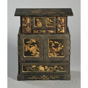 Gilt-lacquered Cabinet