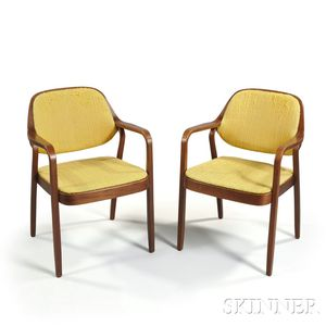 Two Knoll Petitt Chairs