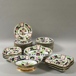 Approximately Thirty-one English Imari Palette Porcelain Tableware Items.