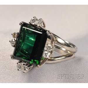18kt White Gold, Green Tourmaline, and Diamond Ring