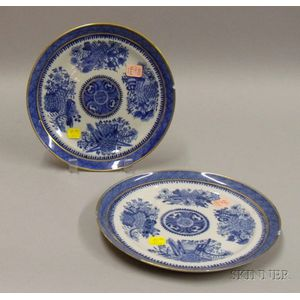 Two Chinese Export Porcelain Blue Fitzhugh Pattern Dinner Plates.