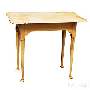 Eldred Wheeler Queen Anne-style Maple Tea Table