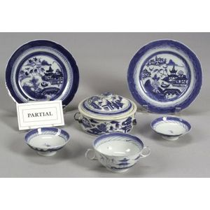 Thirty-two Miscellaneous Canton Porcelain Items
