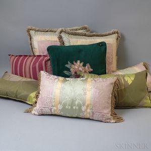 Group of Throw Pillows.     Estimate $20-200