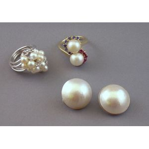Three 14kt Gold and Cultured Pearl Jewelry Items