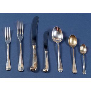 Stieff Sterling Colonial Williamsburg Restoration Flatware Service for Sixteen