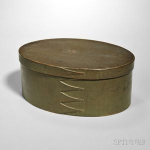 Shaker Olive Green-painted Oval Covered Box