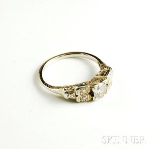 12kt White Gold and Diamond Ring