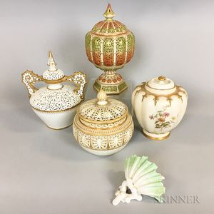 Five Worcester Porcelain Items